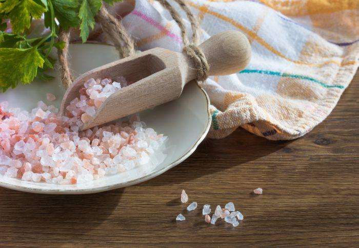 Le sel rose de l'Himalaya: bienfaits ou danger?