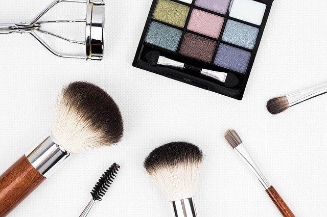 Le maquillage aquarelle pour les yeux