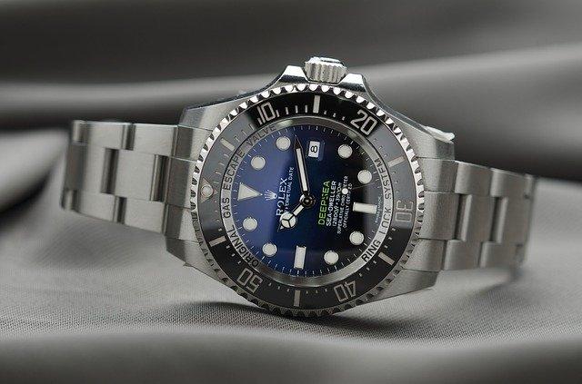 Doit- on investir dans les montres de luxes?