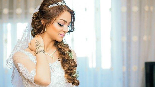 Combien coûte une coiffure de mariée chez le coiffeur ?